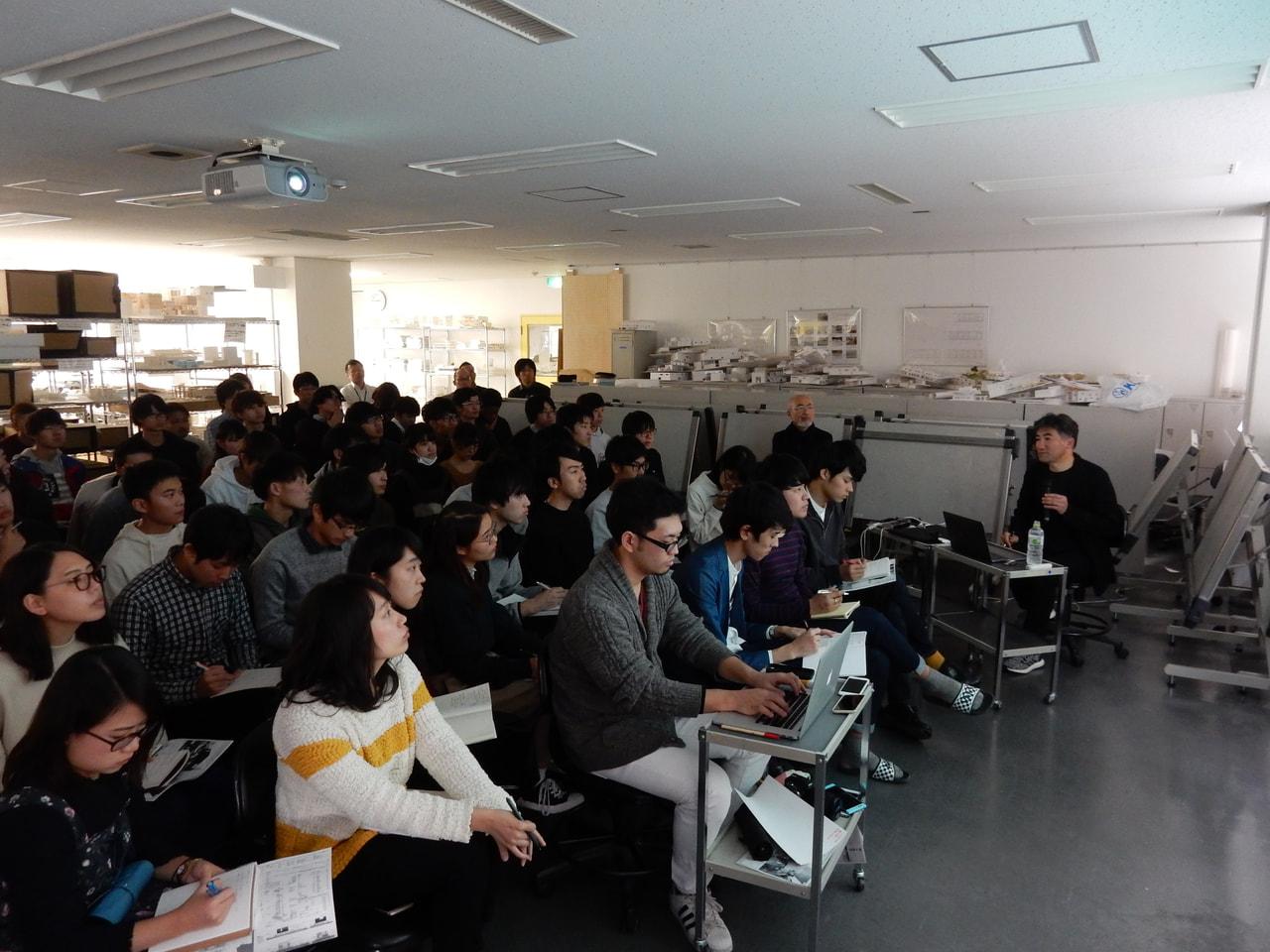 建築家・遠藤克彦さんをお招きし、特別講義を実施しました